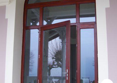 menuiserie extérieure châssis vitré