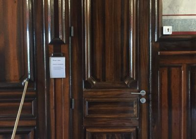 porte intérieure à panneau plate bande